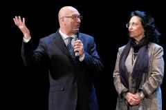 Il-dirigente-dellUfficio-Scoalstico-Provinciale-Raffaele-Zarbo-con-Stefania-Ierna-dellUfficio-di-Direzione-Usp