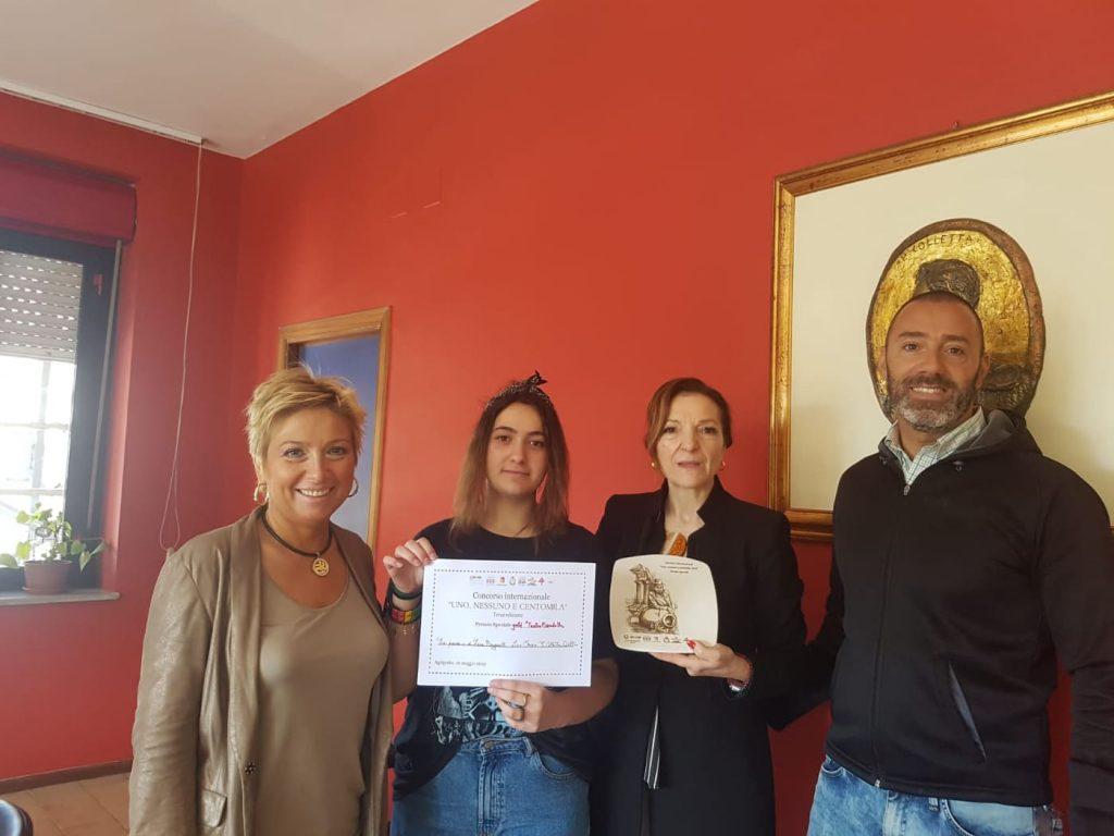 La prof De Maio, Sara Manganelli, la dirigente Ginafelice e un insegnante del Liceo Colletta di Avellino